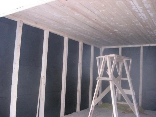 Подшивка потолка изнутри каркасного гаража