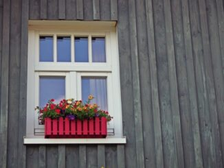 Монтаж окна в каркасном доме